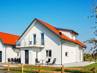Glommen Holiday Home Sleeps 8 with WiFi - 5037190