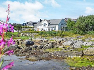Ballstad Holiday Home Sleeps 14 with WiFi - 5674846