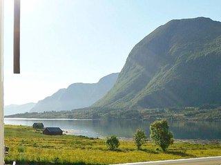 Ornvik Holiday Home Sleeps 7 with WiFi - 5779030