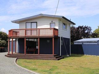 The Lakeside Cottage - Te Anau Holiday Home, Abel Tasman National Park