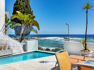 Clifton Apartment Sleeps 6 with Pool and Air Con - 5679386