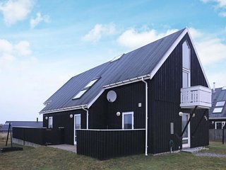 Norre Vorupor Holiday Home Sleeps 8 with WiFi - 5042244