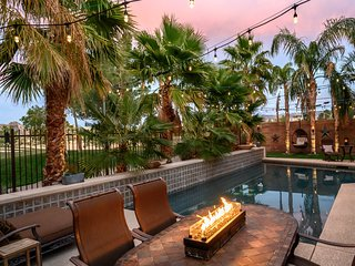 Luxury pool home on golf course in gated community