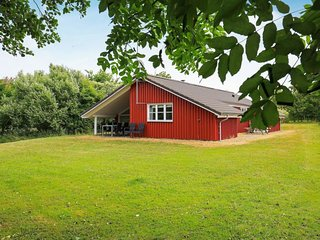 Vesterby Holiday Home Sleeps 8 with WiFi - 5042375