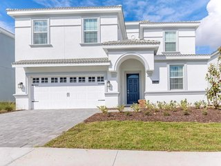 Enjoy Orlando With Us - Champions Gate Resort - Amazing Relaxing 8 Beds 5 Baths