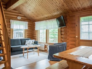 Ruka Holiday Home Sleeps 8 - 5045187