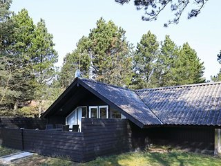 Bordrup Holiday Home Sleeps 4 with WiFi - 5791798