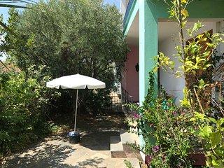 The Laurel – Big Garden apartment at the sea