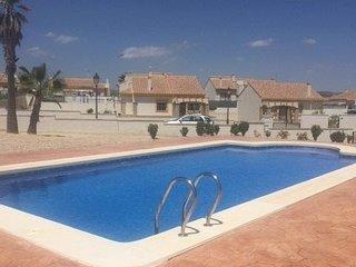 C33 Monsura - 2 bedroom villa with communal pool