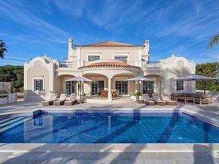 Vale do Garrao Villa Sleeps 10 with Pool Air Con and WiFi - 5827770