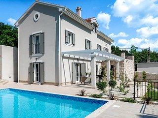 Drivenik Villa Sleeps 10 with Pool and Air Con - 5823248