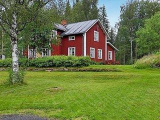 Sandsatern Holiday Home Sleeps 8 - 5823473