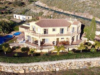 Villa Clairol (piscine chauffée, spa, air-co, Wi-Fi)