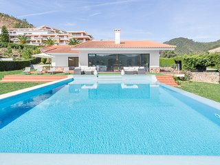 Castanheira Villa Sleeps 8 with Pool - 5824564