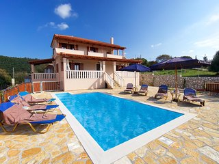Tzamarellata Villa Sleeps 6 with Pool Air Con and WiFi - 5824034