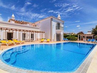 Sesmarias Villa Sleeps 14 with Pool - 5823577