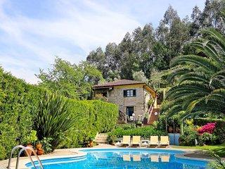 Meijoadas Villa Sleeps 6 with Pool - 5823572