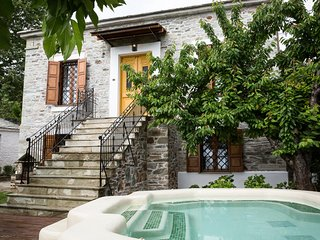 Agios Georgios Nileias Villa Sleeps 8 - 5823946