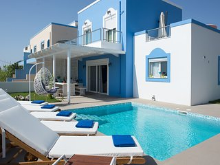 Masticharion Villa Sleeps 8 with Pool and Air Con - 5823552