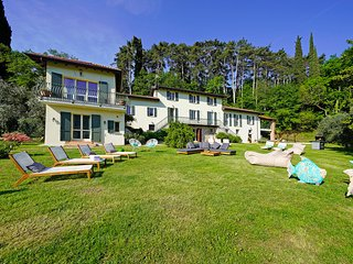 Bocca di Croce Villa Sleeps 18 with Pool Air Con and WiFi - 5822949