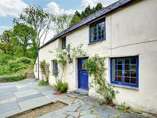 Lanlivery Holiday Home Sleeps 5 with WiFi - 5334895