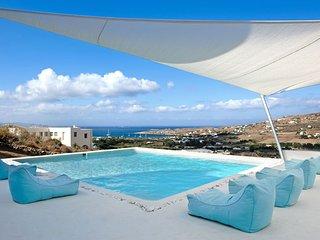 Villa Melissa with private pool, close to Parikia