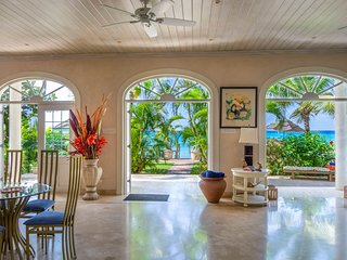Ebb Tide Luxury beach front property .Includes,Chef , Maid & night security.