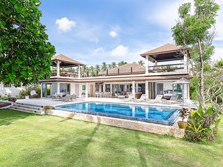 Hat Yai Villa Sleeps 10 with Pool and Air Con - 5819838