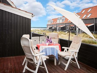 Juelsminde Holiday Home Sleeps 6 with WiFi - 5039872