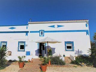 Beautiful farmhouse with 3 bedrooms close to the beach