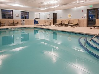 Hearing Accessible Suite | Free Daily Breakfast, Pool Access + Gym Access