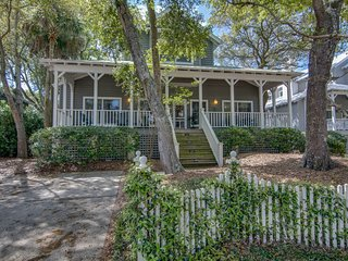 Private Southern home across the street from beach with WiFi and community pool!