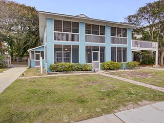 Large, dog-friendly retreat w/ocean views, private gas grill, and great location