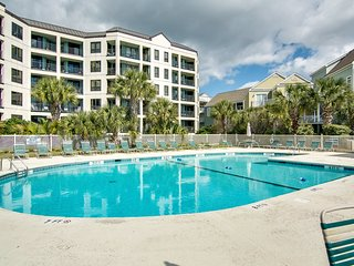 Ocean view villa at beachfront complex w/ pool - walk to golf, dining & more!