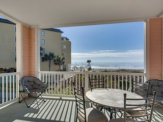 Spacious condo with breathtaking views of the ocean, beach and dune!