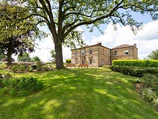 Emley Chateau Sleeps 17 - 5717476