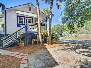 Dog-friendly home w/ocean views & an easy walk to the beach, shops, & dining!
