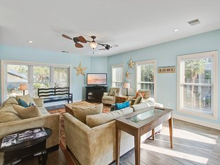 Beautiful home w/private pool, ocean views - across the street from the beach!