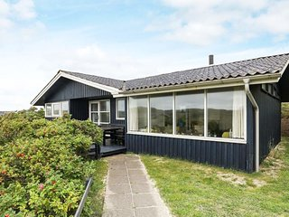 Saltum Strand Holiday Home Sleeps 6 with WiFi - 5816036
