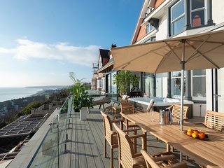 Saint Leonards-on-Sea Villa Sleeps 11 - 5815842
