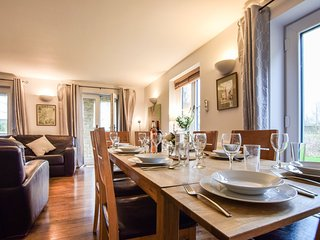 Cornerstone Cottage, Cotswolds Water Park - Sleeps 8, Cotswold Water Park