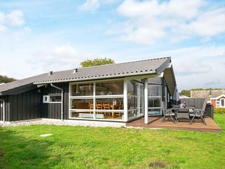 Gronninghoved Strand Holiday Home Sleeps 9 with WiFi - 5809480