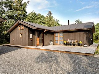 Nordost Holiday Home Sleeps 8 with WiFi - 5809484