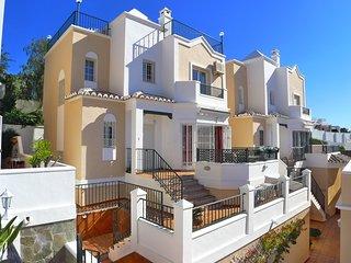 R904 | Villa Olivia
