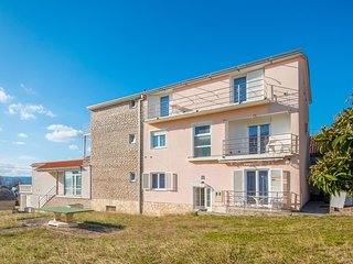 Awesome apartment in Sveti Filip i Jakov w/ 1 Bedrooms (CDA738)