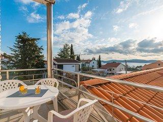 Awesome apartment in Sveti Filip i Jakov w/ 1 Bedrooms (CDA737)
