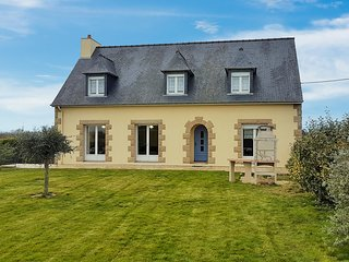 Stunning home in Saint-Malo w/ WiFi and 5 Bedrooms (FBI121)