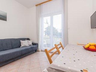 Awesome apartment in Sveti Filip i Jakov w/ 1 Bedrooms (CDA739)