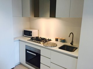 Modern Apartment City 2 Bed Gym And Pool