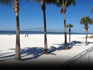 Romantic Condo Across from Beach!